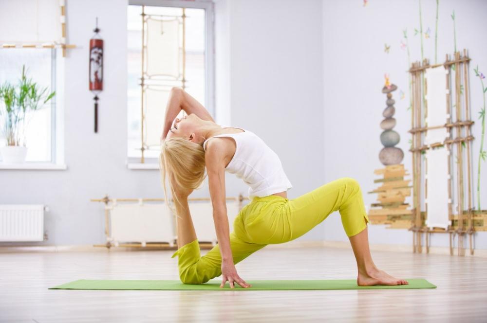 Фитнес-йога: что это такое, комплекс упражнений для начинающих, польза для похудения