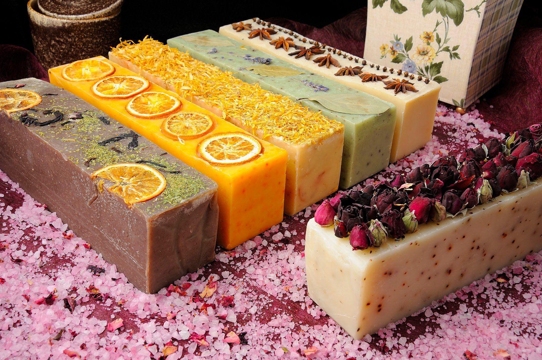 Натуральное мыло: виды, состав и рецепты приготовления мыла своими руками в домашних условиях