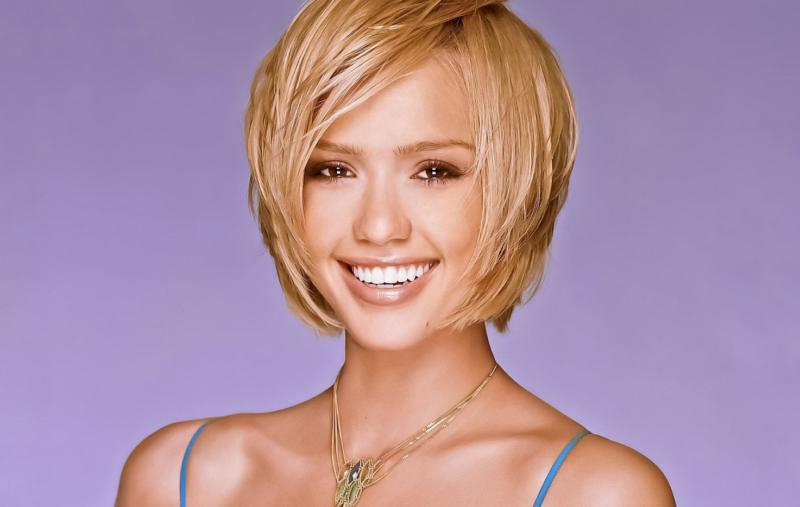 Стрижка боб-каре на короткие волосы - 7 вариантов стильной стрижки на волнистые и прямые волосы, с челкой и без, фото