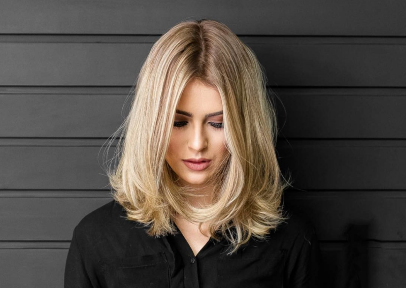 Прически на волосы до плеч: 10 красивых и легких причесок на торжество и на каждый день