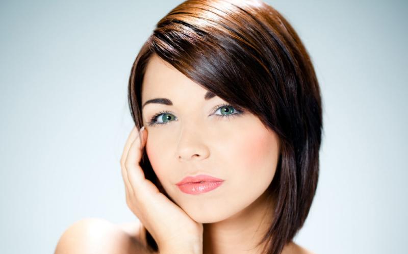 Прически для круглого лица - 42 варианта женских причесок на короткие, средние и длинные волосы, с челкой и без, фото